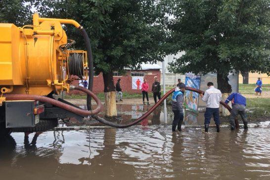 Баяр наадмын өдрүүдээр 10 гаруй байршилд 235 тонн ус соруулж зөөвөрлөх ажлыг хийж гүйцэтгэв
