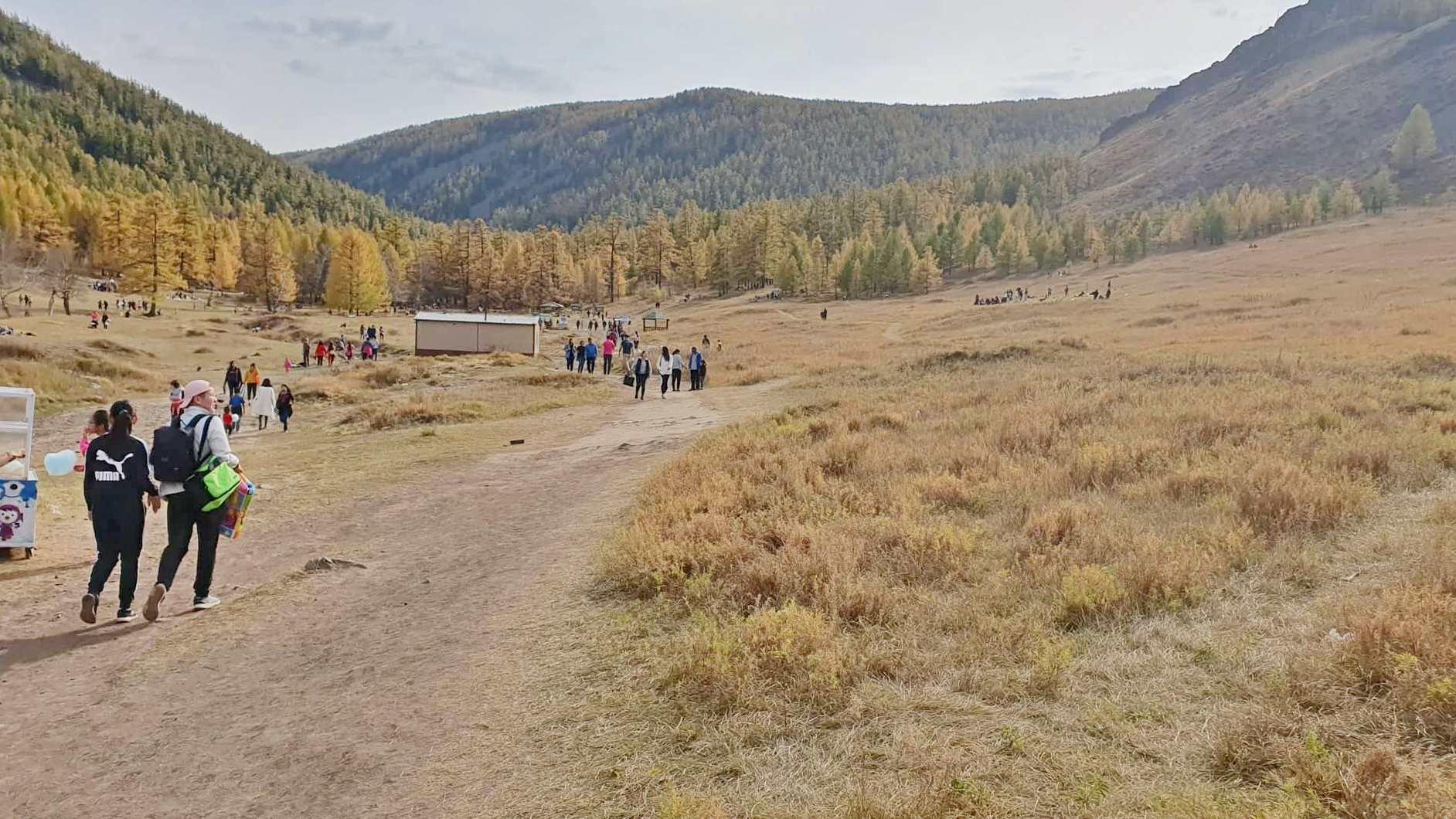 Богд Хан-Уул чиглэлд ууланд алхагч иргэддээ зориулсан нийтийн бие засах газрыг энэ сард багтаан ашиглалтад оруулна