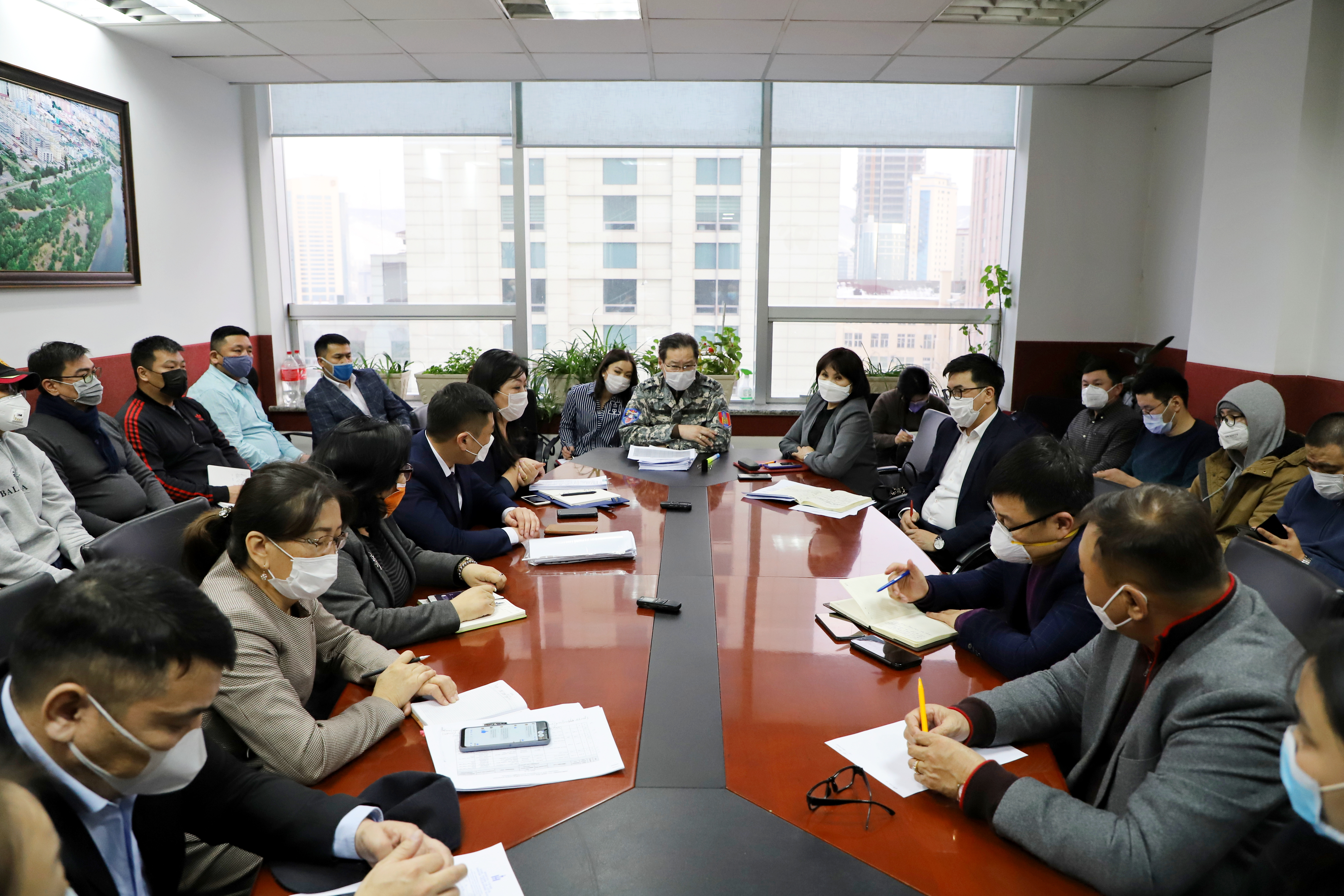 Нөөцийн мах бэлтгэн экспортлох зөвшөөрөл авч бодлогын гэрээ байгуулсан 38 аж ахуйн нэгжийн төлөөлөлтэй хуралдлаа